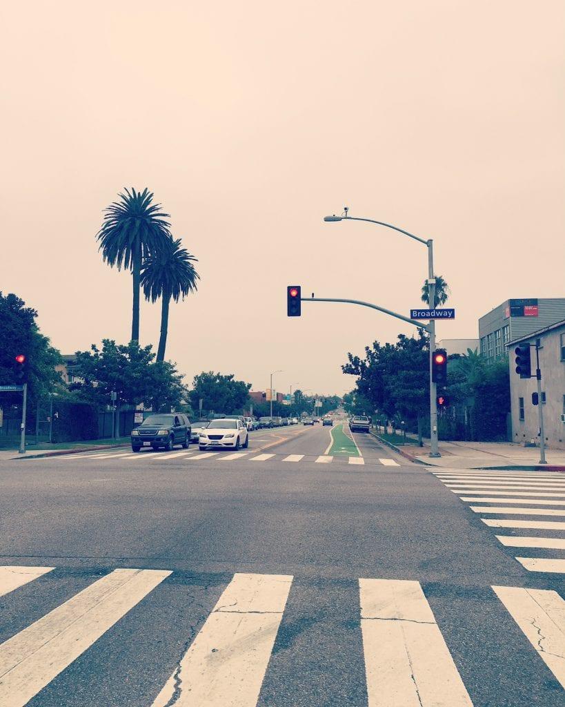 Kiitos, Santa Monica, pyöräkaistoista, jotka tekevät päivättäisestä pendelöinnistä niin paljon helpompaa.
