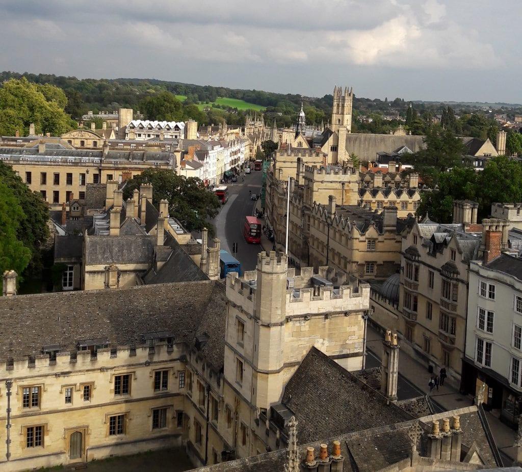 : Oxford on täynnä toinen toistaan vanhempia rakennuksia. Vähän kuin asuisi museossa, sanoi yksi kaverini.