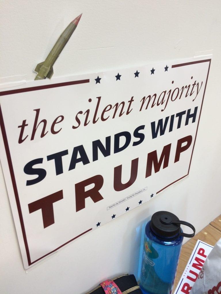 Konservatiivipoliitikoille kampanjoita suunnittelevassa Harris Mediassa työskentelee sekä Clintonin että Trumpin kannattajia.