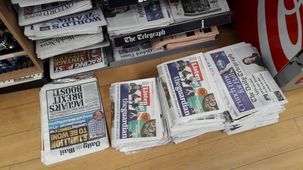 Ei päivää, ettei sanomalehdissä olisi Brexit-juttua. Nyt lehdet tietysti kirjoittavat yhä enemmän myös lähestyvästä joulusta.