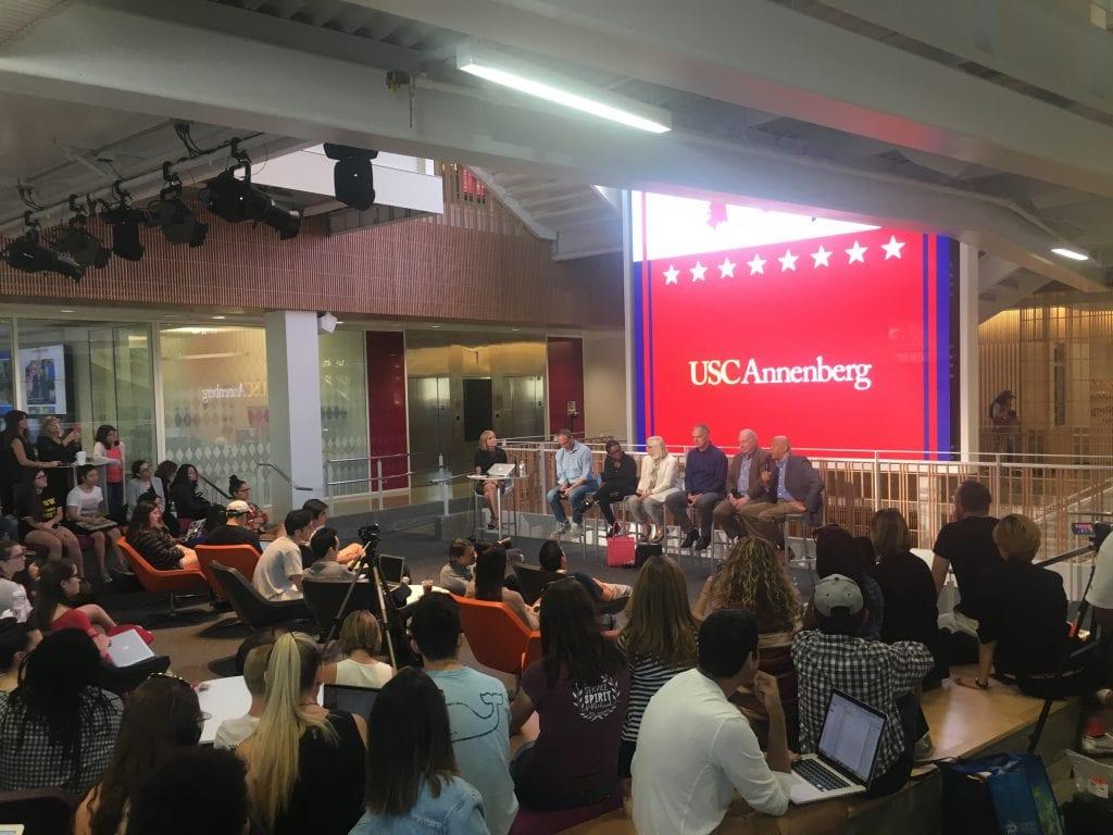 USC Annenbergissa järjestettiin presidentinvaalien jälkeen paneelikeskusteluja ja muita tilaisuuksia, joissa opiskelijoille ja henkilökunnalle annettiin mahdollisuus käydä läpi tapahtunutta. Mielenosoituksia oli alkuun päivittäin.