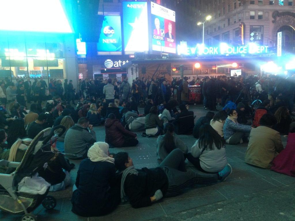 Vaali-ilta Time Squarella oli pitkä.