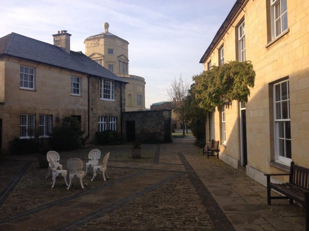 Oxfordissa on 38 collegea. Toimittajien kotipaikka on Green Templeton Gollege.