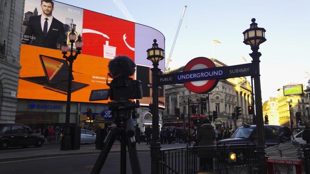 Vertaistukea ja parempaa keskustelua – näin brittimedia torjuu toimittajien verkkohäirintää