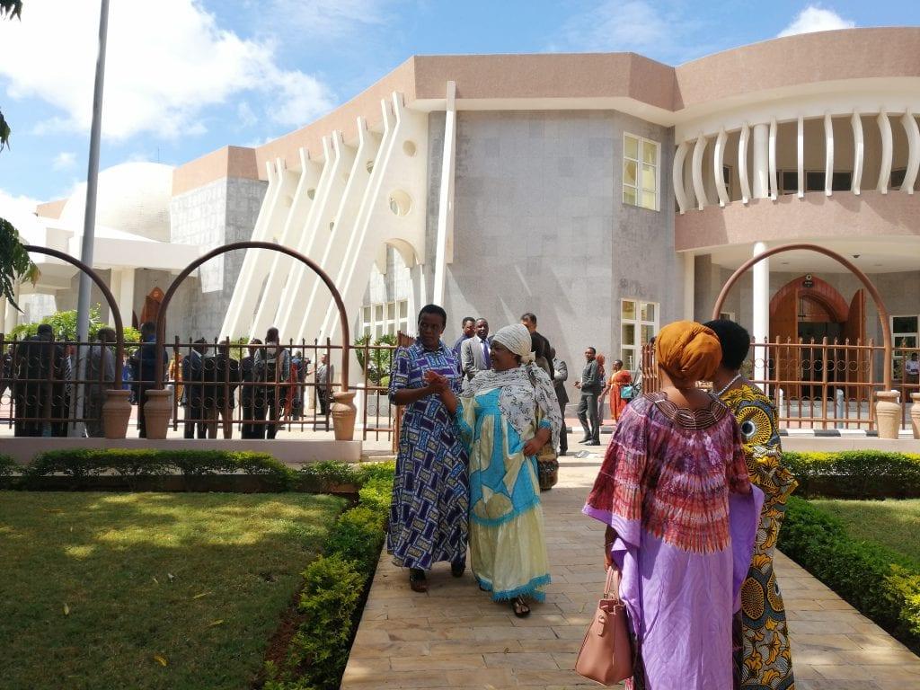 Suomi, naispääministereiden luvattu maa – keskustelemassa lehdistönvapaudesta Itä-Afrikassa